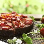 strawberry tangelo almond syrup cake