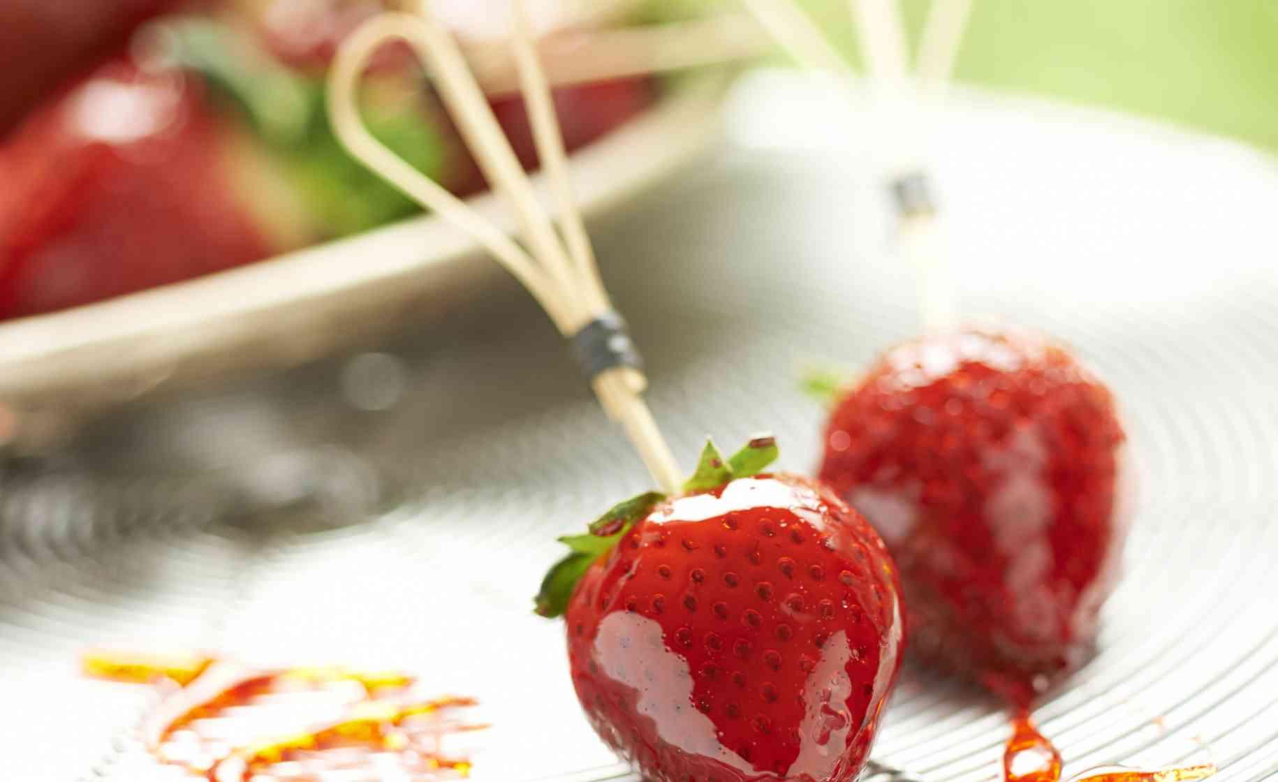 toffee strawberries